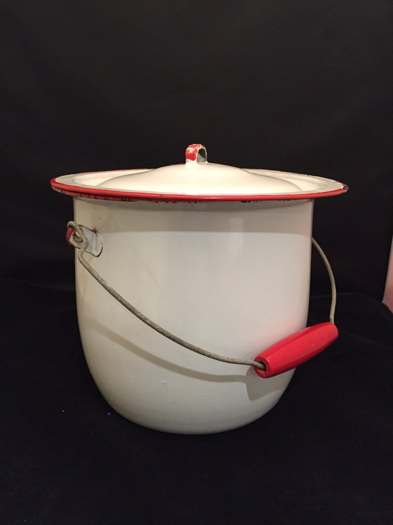 Enamel Bucket Pot Pail With Lid Wire And Red Wood Bale