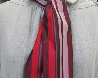 Red and burgundy striped silk cravat, 19th century style