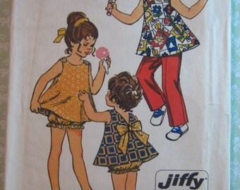 Easy to Sew Toddler Girls Reversible Top, Bloomers and Pants Size 1 Vintage 1970's Jiffy Simplicity Pattern 9339 Cut/Complete