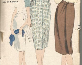 1950s Slim Skirt Back Wrap Dart Fitted Back Button Very Easy to Sew Vogue 9896 Waist 26 Hip 36 Women's Vintage Sewing Pattern