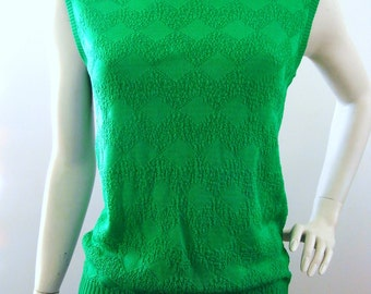 SALE!!*** Queen of Emeralds - vintage 60s green sleeveless top with textured knit pattern