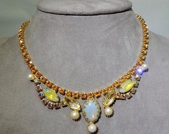 Gold Rhinestone & Moonglow Cabochon Necklace    NAZ17