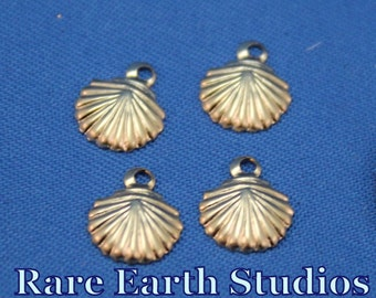 Gold Sea Shell Charms 60416013