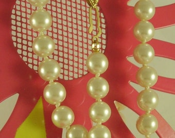 "Pearl Necklace! She Wore A Pearl Necklace! Cultured Freshwater Pearls! 7.9mm Pearls! Gold Plated Closure! Very Nice 18"" Pearl Necklace Sale!"