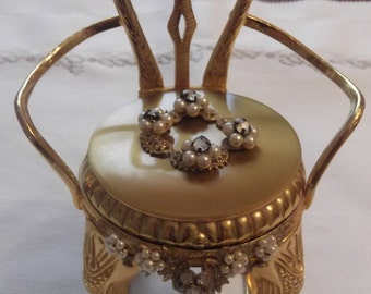 Jeweled Powder Compact; Novelty; Rare; Shaped Like A Rocking Chair; An (Original By Robert) Circa 1942-1979    DR