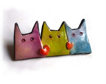 Valentine's gift, Cat pin, 3 cats brooch with red hearts, Mother's day jewelry, pastel cat jewelry in pink olive green blue cats, red hearts