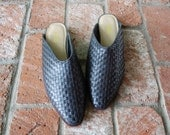 Vintage Womens 10b Scruples Slip On Slides Black Leather Woven Braided Dress Casual Gypsy Boho Summer Festival 90s Goth Moto Loafers Wedge