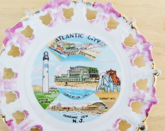 Vintage Souvenir Plate Wall Hanging of Atlantic City New Jersey