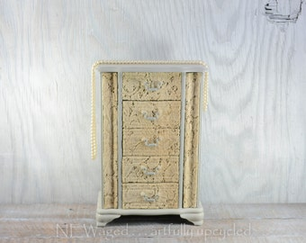 Shabby chic jewelry box, Large Jewelry Box, jewelry organizer, jewelry holder with vintage lace