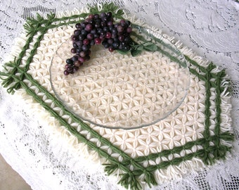 Handwoven Place Mats - Green and White Placemat - Rustic Cottage Decor - Lap Loomed Table Mat - Set of 2 or 4