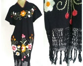 1960s embroidered daisy DRESS tunic midi floral wool thread fringe boho vintage // Size: S / M