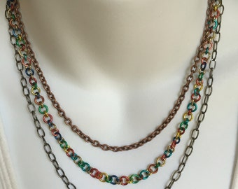 Multicolored chain necklace