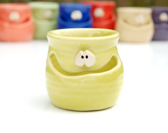 THE GRINNIN' IDGIT - chartreuse green - a Very Silly Egg Separator for the Cook Who Has Everything