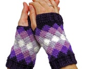 Crochet Pattern ~Women's Diamonds Mitts ~ Crochet Pattern