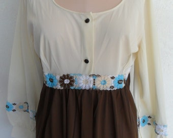 Vintage Nylon Robe Dressing Gown by Dreamaway Medium