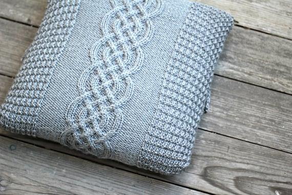 Knitting pattern, knitting tutorial, aran pillow case ...