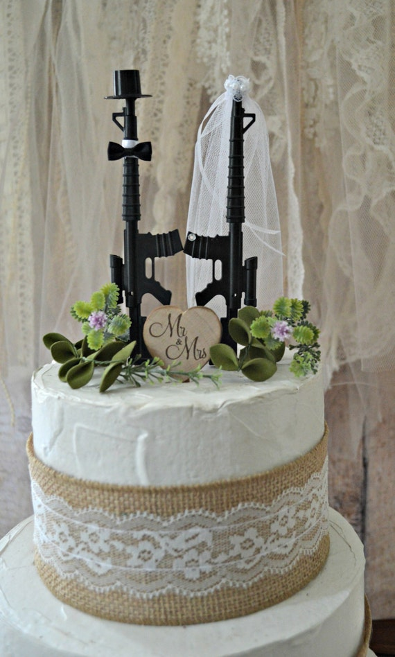 military wedding cakes pictures machine gun weapon wedding cake topper army themed 17370