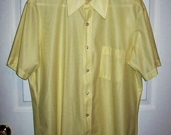"Vintage 1970s Mens Yellow Polyester Knit Shirt by Arrow Large 16 1/2"" Neck Only 7 USD"