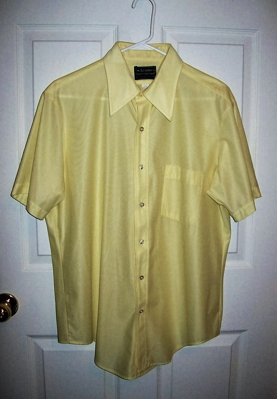 Sale 20 Off Vintage 1970s Mens Yellow Polyester Knit Shirt By