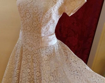 1960s Pretty in Pink Lace Party Dress with Crinoline