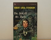 Dr Jekyll and Mr Hyde book, Robert Louis Stevenson, vintage paperback, Airmont Classic, horror Halloween book