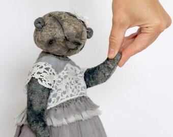 D o l l y Artist Teddy Bear