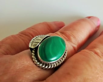 Navajo Sterling Silver Feather Ring, Malachite Gemstone, Boho Southewestern Jewelry, SZ 7.75, Signed Native American Ring