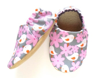 Birds and Flowers Baby Girl Shoes, Soft Sole Shoes, Baby Booties, Girl Soft Shoes, Slip On Baby Shoes, Baby Girl Gift, Available in 3 Sizes