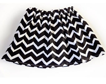 Cute girls Chevron pattern skirt. Sizes 2 3 4 5 6