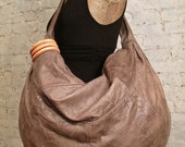 80s Huge Leather Hobo Bag - Tan - The Perfect Shoulder Bag