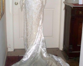 1990s Wedding Dress/Gown  - Column Dress  - White - Beaded - Detachable Train - Bow Bustle - Veil Included
