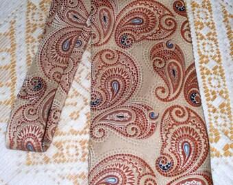 Vintage Oleg Cassini Men's Tie  - Polyester - By Burma