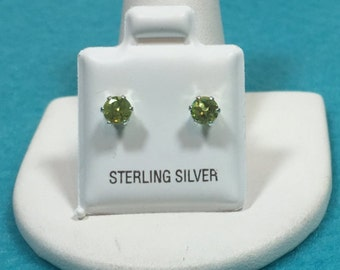 Peridot Sterling silver earring studs 4 mm round