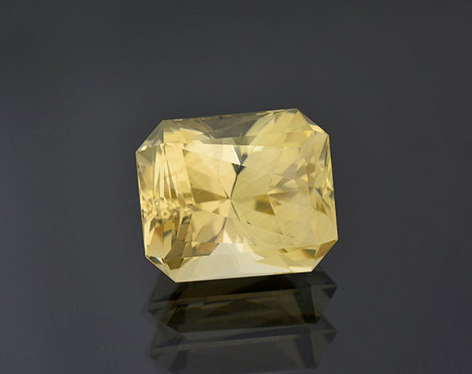 SALE EVENT! Brilliant Champagne Bytownite Feldspar Gemstone from Mexico 21.52 cts
