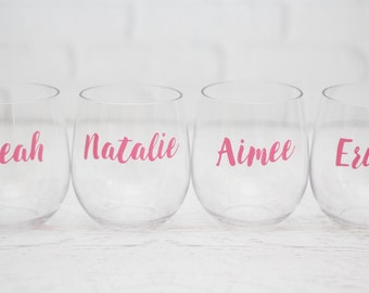 Personalized wine glass // Bachelorette Party Favors // Bridesmaid Gifts // Girls Weekend Gift // Destination Wedding Favors // Girls Trip