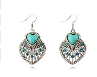 On sale. Best deal, great quality, turquoise dangle earrings with blue crystal.