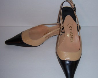 Vintage Chanel Black Ecru Creme Two Tone Leather Classic Mid Heel Slings Pumps Shoes 6 M Euro 36 Heels