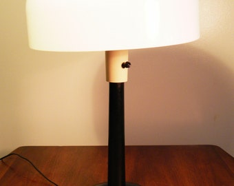 Vintage Mid Century Modern Lightolier Desk Lamp w/Dome Shade