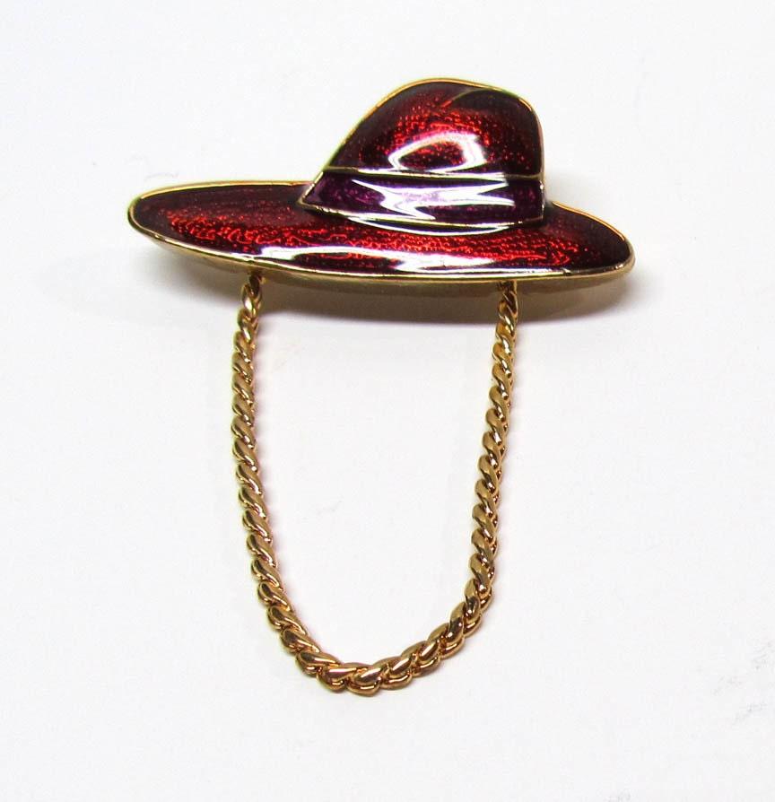 Vintage Red Hat 100