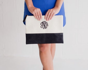 Monogrammed Zip Pouch, Monogrammed Gift, Monogrammed Clutch, Personalized Gift, Personalized Clutch, Makeup Bag, Monogrammed, Embroidered