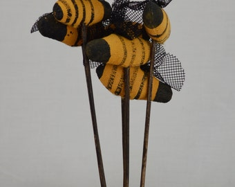 Primitive Bee Pic(lot of 6)