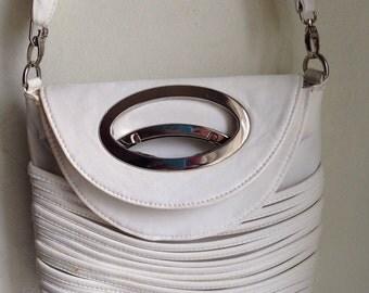Lovely 1980s Vintage Creme Faux Leather Shoulder Bag