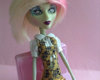 Mystixx Doll Wig, Liv Doll Wig, Replacement hair, blonde, pink highlights, fashion doll accessories, doll wig, doll hair, Greece
