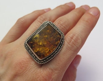 Large Baltic amber and sterling silver statement ring / baltic amber ring / Baltic amber / Real amber / Large baltic amber / sterling silver