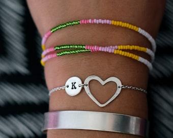 Erste Liebe-Armband. Herz-Armband. Love.Customised, personalisierte Schmuck. Benutzerdefinierte Braselet. Hand gestempelt. Maßgeschneidert für Sie!
