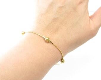 Vintage Avon Bracelet, Detailed Beads, Gold Tone