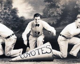 Vintage Photo..Caldwell Coyotes Yell Team 1930's, Original Photo, Old Photo Snapshot, Vernacular Photography, American Social History Photo