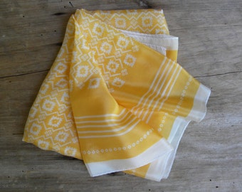 Vintage Yellow Silk Square Scarf / Specialty House Inc. / Made in Japan / Vintage Silk Neck Scarf / Yellow and Cream
