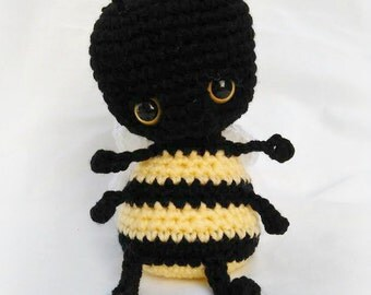 Comber the Bee Cuddle Bug; CROCHET PATTERN; PDF