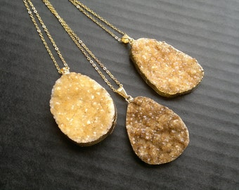 Citrine Druzy Necklace Citrine Pendant Citrine Crystal Citrine Jewelry Citrine Cluster Crystal Gold Dipped Stone Mineral Jewelry Quartz